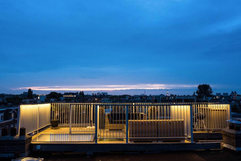 Trappe de toit manuelle sur terrasse à Amsterdam