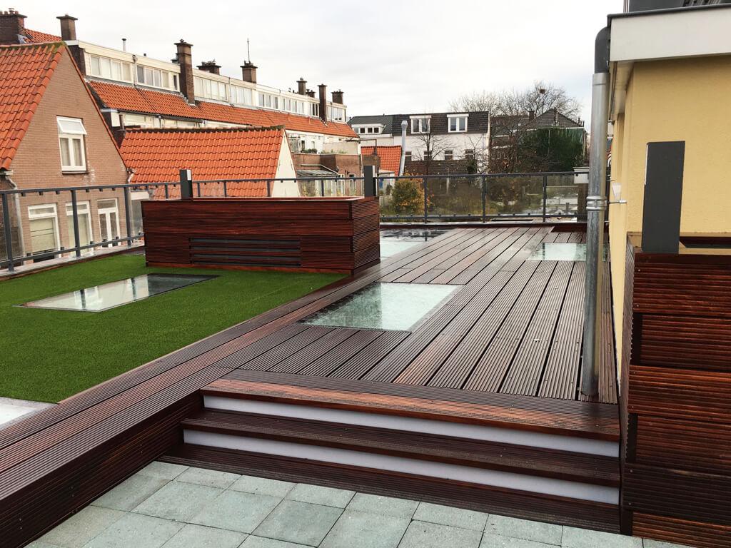 Une terrasse sur le toit luxueuse avec différentes zones