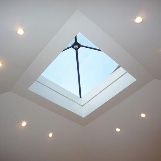 fen tre de toit pyramide fixe glazing vision europe. Black Bedroom Furniture Sets. Home Design Ideas