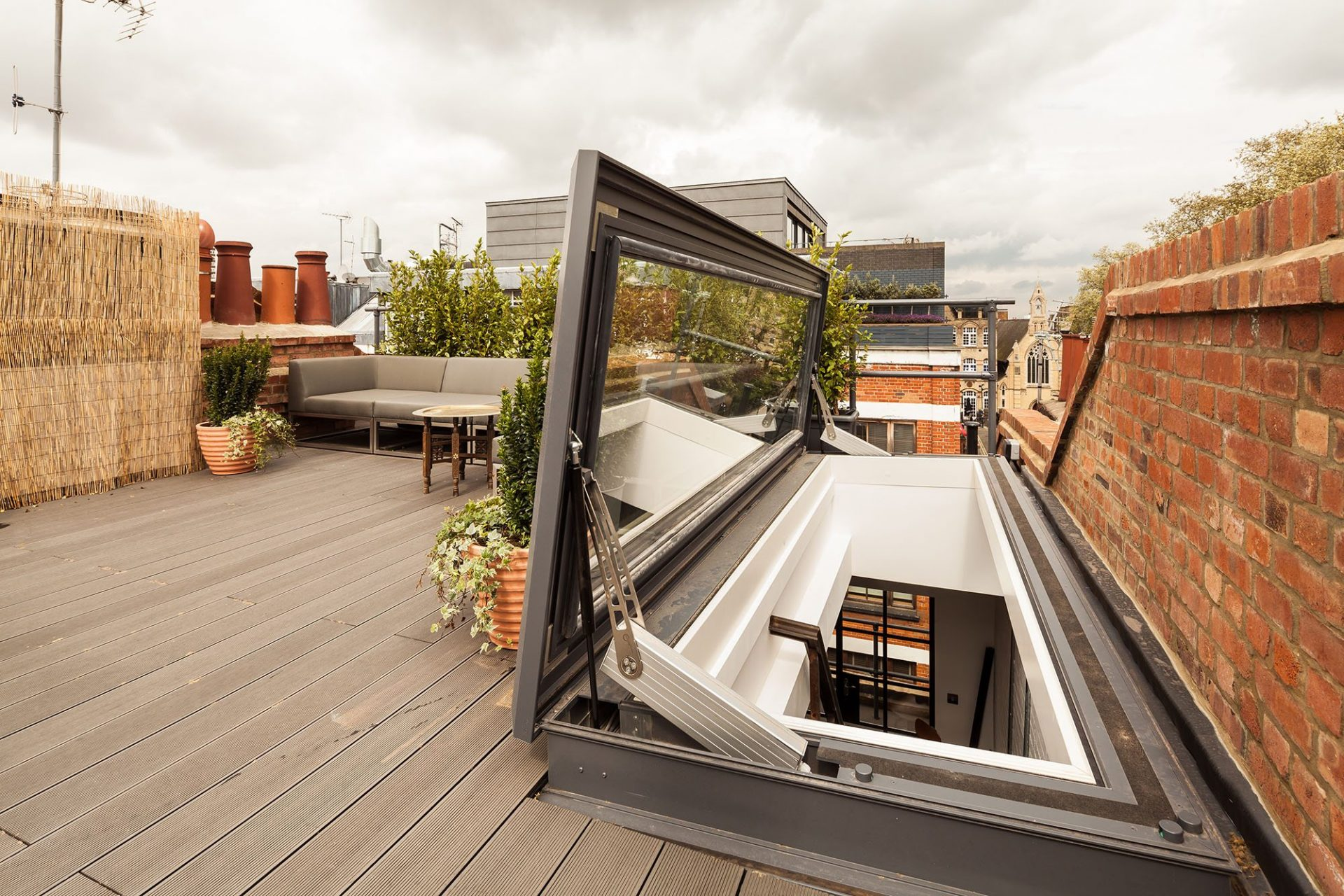 Fenêtre de toit d'accès articulée - Glazing Vision Europe